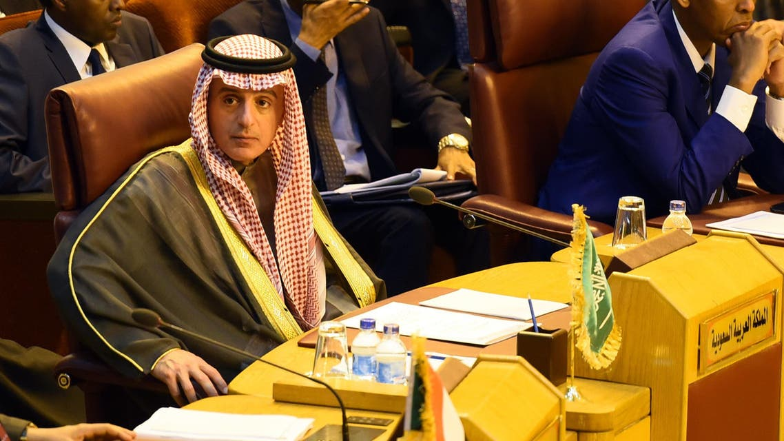 Saudi Foreign Minister Adel al-Jubeir (L) attends an emergency foreign ministers meeting in the Egyptian capital Cairo on December 9, 2017, following the US president's controversial recognition of Jerusalem as Israel's capital.  MOHAMED EL-SHAHED / AFP