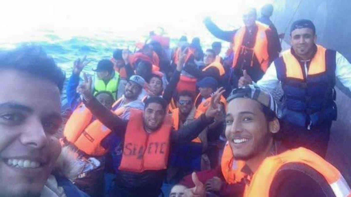 سيلفي لمهاجرين ليبيين نشرتها صفحات مهربين في 27 نوفمبر الماضي