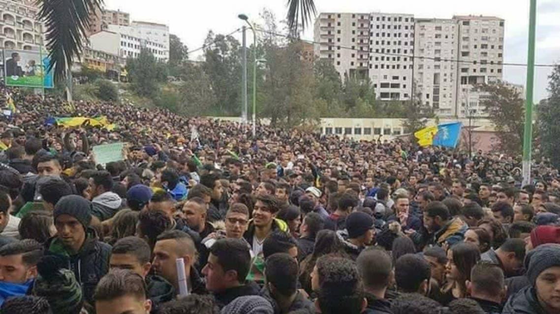 احتجاجات في الجزائر ضد إقصاء اللغة الأمازيغية