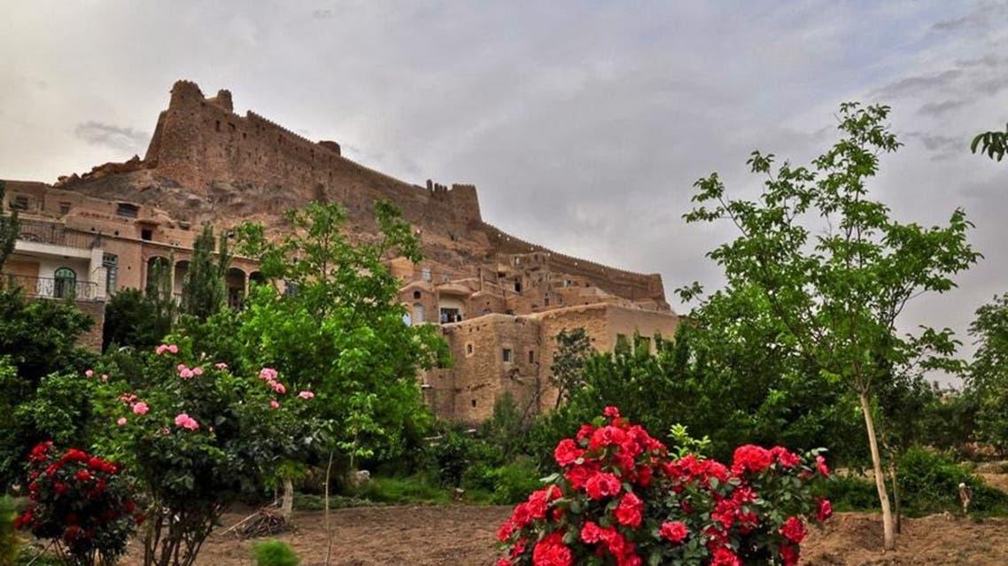 قلعة بالقرب من مدينة بيرجند
