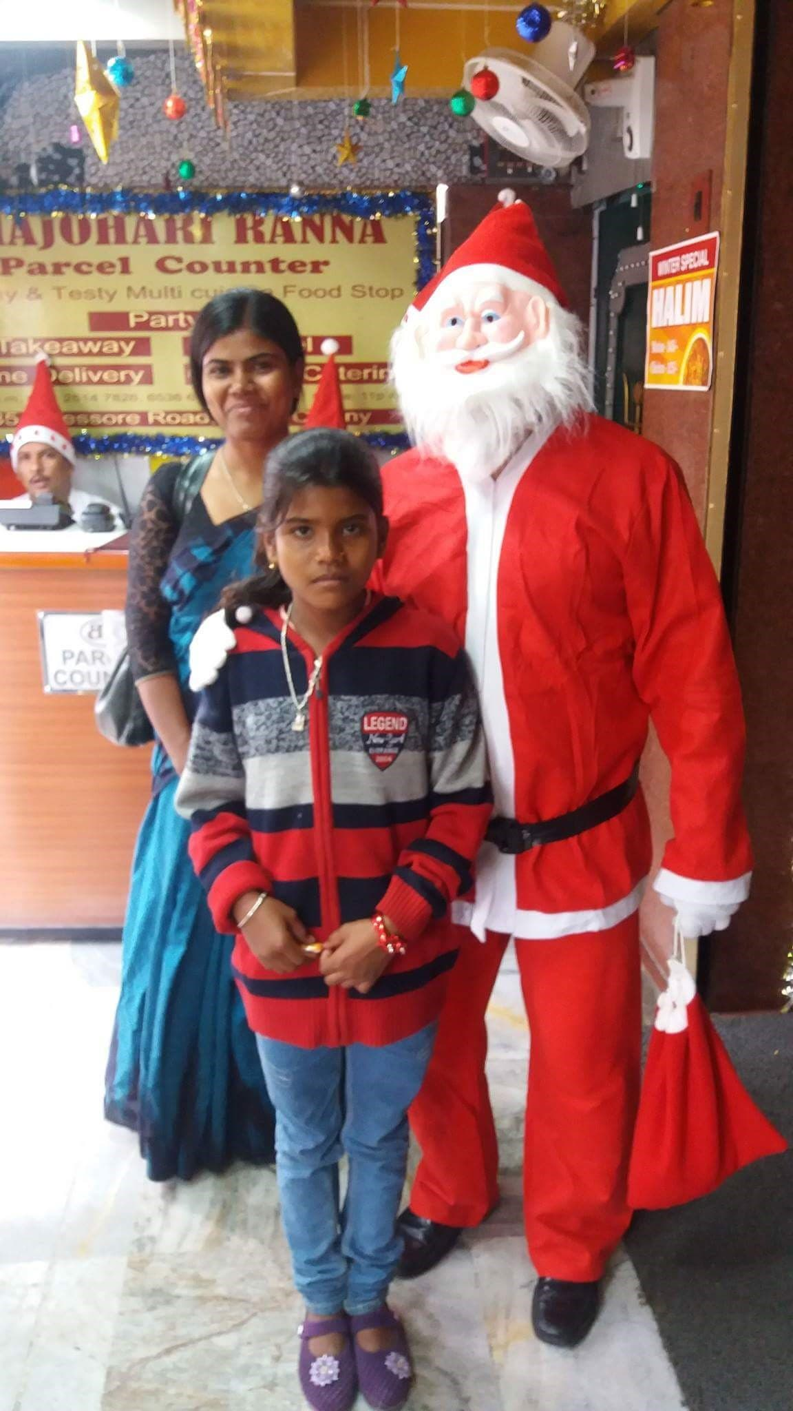 Alpana Mondal and her 11-year-old daughter, Susmita, in Christmas mood. (Supplied)