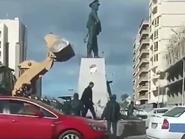 إحالة مسؤولين مصريين كسروا تمثال قائد عسكري للتحقيق