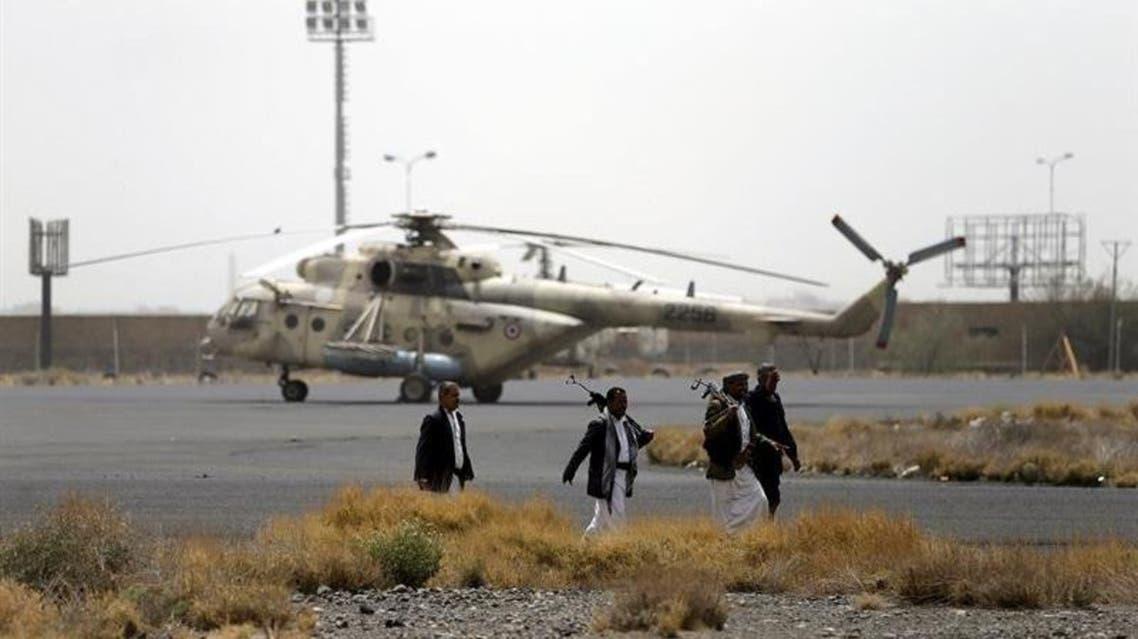 مليشيا الحوثي بعد سيطرتها على قاعدة الديلمي عقب الانقلاب على السلطة الشرعية - ارشيفية