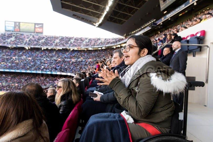 تشجع برشلونة بحرارة
