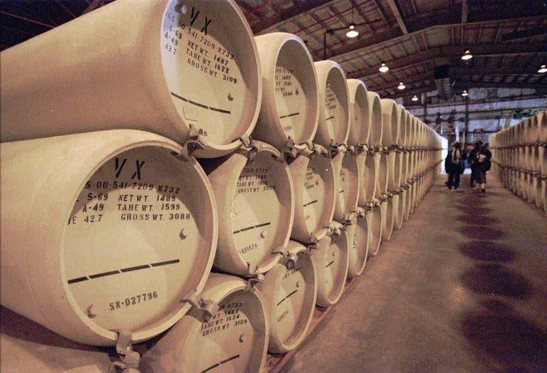 مادة VX بمخازن في أسلحة كيماوية في نيوبورت بولاية إنديانا