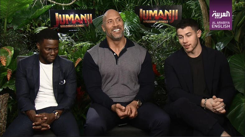 Jumanji S Dwayne Johnson Kevin Hart Rate Their Friendship