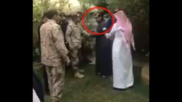 بالقيديو سقوط شظايا الصاروخ الحوثي على منزل الفنان عبدالله السدحان f05466e6-948a-4abc-b