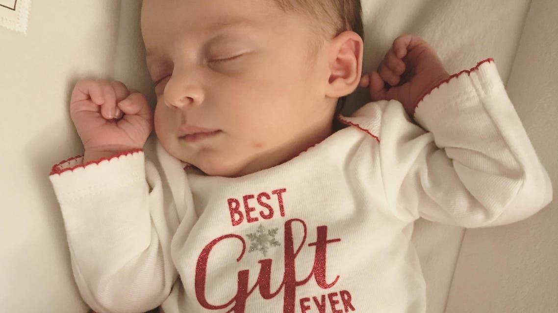 إيما ورين غيبسن  المولودة من مضغة مجمدة قبل 25 عاماً