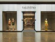 """""""فالنتينو"""" تخطط لبيع 25% من الشركة في طرح عام أولي"""