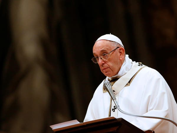البابا في عيد الميلاد: الإيمان يحث على احترام المهاجرين