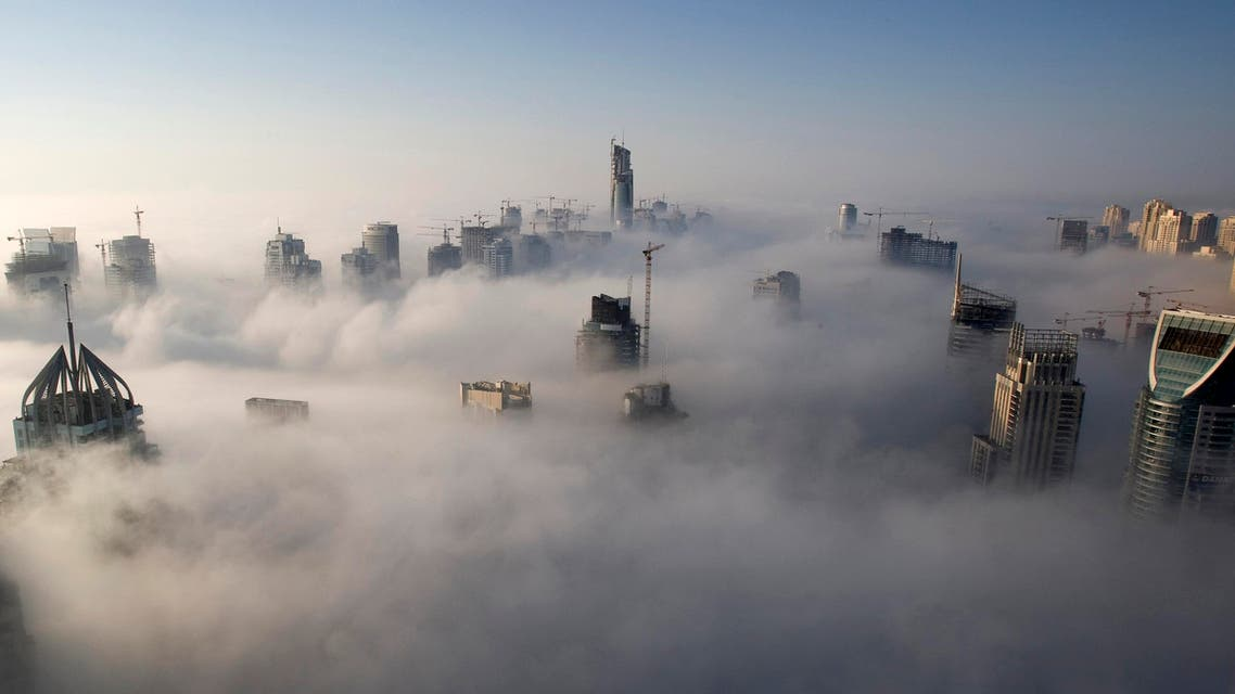 Heavy fog rolls by early in the morning near the Dubai Marina November 21, 2007. Reuters