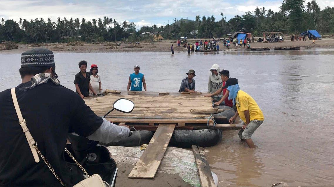 مياه من بقايا الإعصار الذي ضرب الفلبين وعاث فيها خراباً