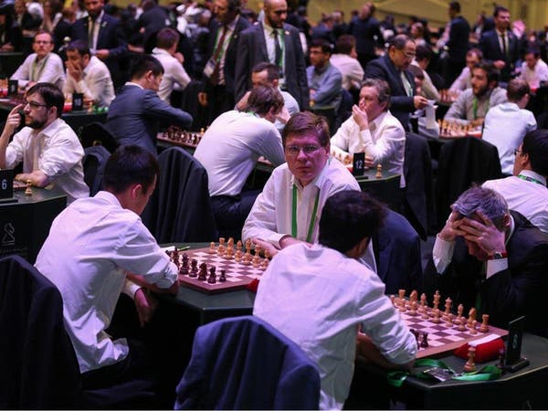 الروسي سيرجي يتصدر لاعبي الشطرنج الخاطف