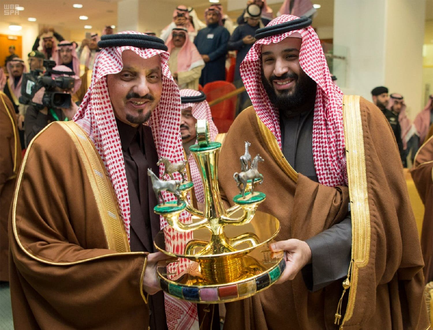Saudi Crown Prince Mohammed bin Salman presented two annual trophies to Prince Faisal bin Khalid on the victories of Al-Shamali and Rossenbaum. (SPA)
