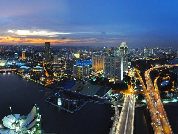 4 مليارات دولار نزحت من هونغ كونغ إلى سنغافورة.. ما السبب؟