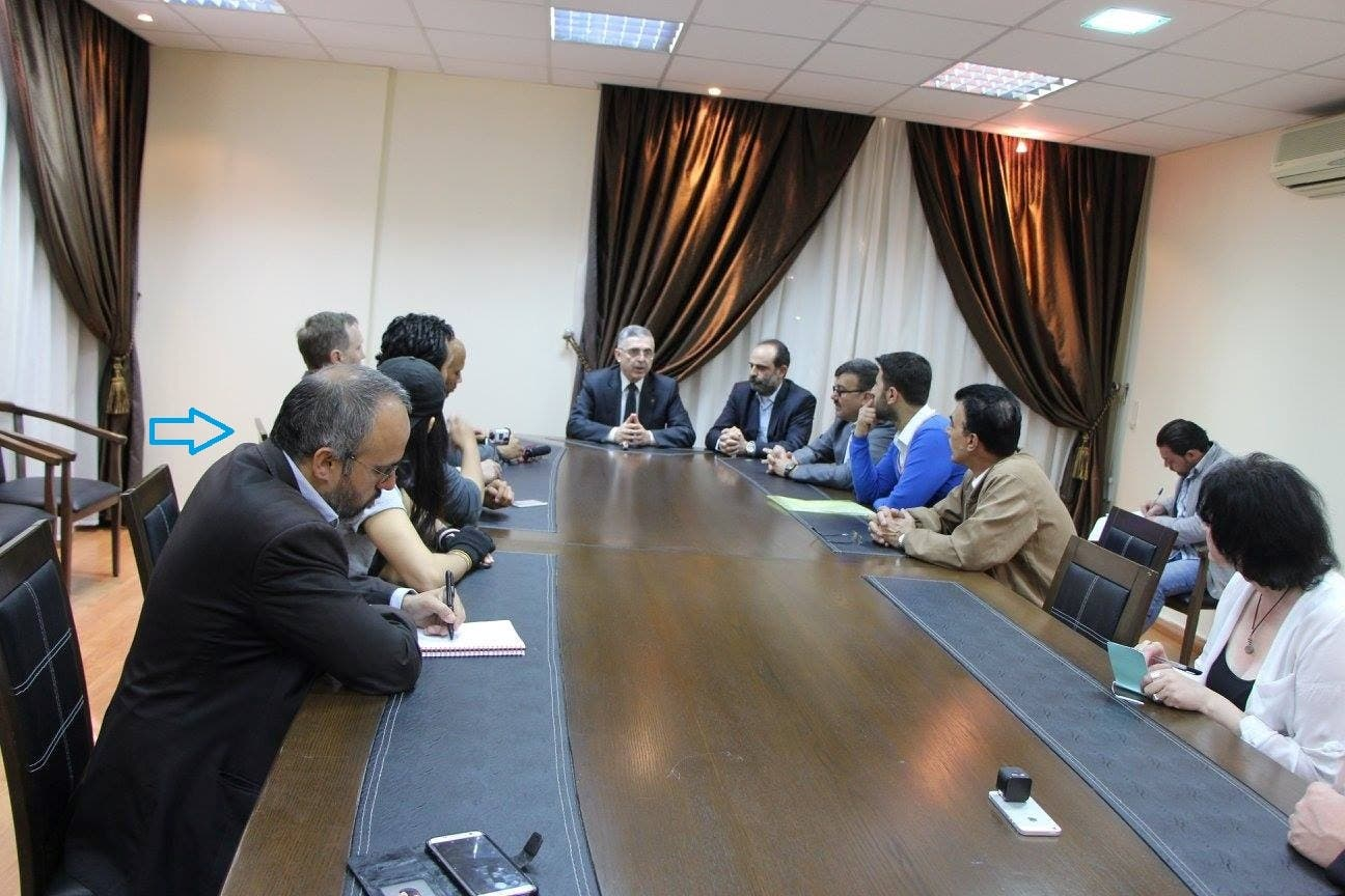الصحافي الإسرائيلي جوناثان سباير، باجتماع مع علي حيدر وزير المصالحة في سوريا