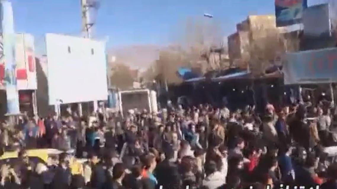 THUMBNAIL_ ارتفاع الأسعار بشكل كبير أدى إلى اندلاع الاحتجاجات في ايران