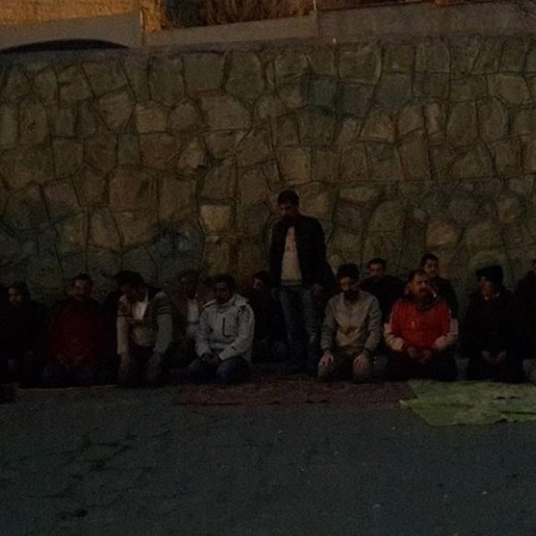 تحصن دراویش گنابادی مقابل زندان اوین