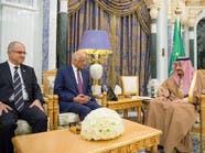 الملك سلمان يبحث مع رئيس برلمان مصر التعاون الثنائي