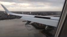 وڈیو: آندھی نے برطانوی طیارے کو آخری لمحے میں اُترنے سے روک دیا