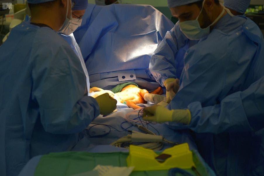 أثناء المراحل الأولى للجراحة