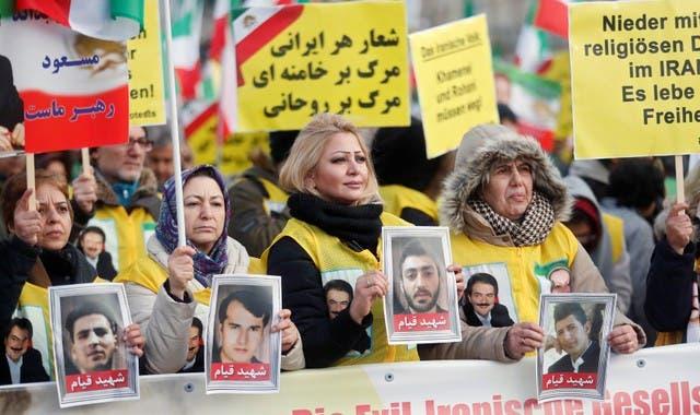 متظاهرون ببرلين يعبرون عن تضامنهم مع الاحتجاجات في إيران
