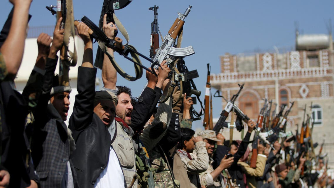 Tribesmen loyal to the Houthi movement hold their weapons as they attend a gathering to mark 1000 days of the Saudi-led military intervention in the Yemeni conflict, in Sanaa, Yemen December 21, 2017. REUTERS/Mohamed al-Sayaghi