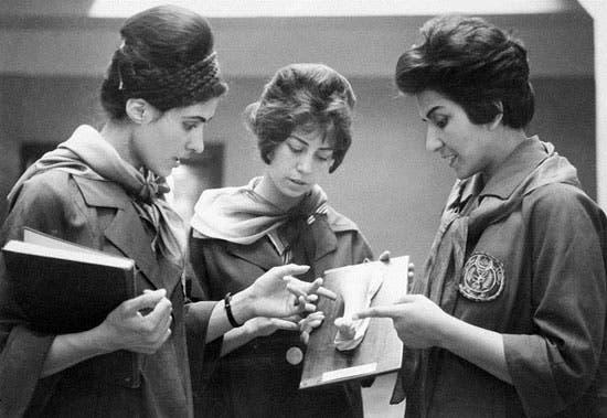 دانشجویان پزشکی در دانشگاه کابل