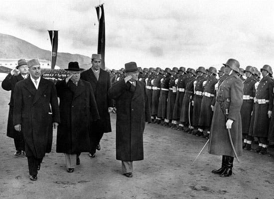 خروشچف رهبر جماهیر شوروی و محمد داوود خان کابل سال 1955
