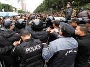 الجيش التونسي ينتشر في عدة مدن وسط تصاعد الاحتجاجات