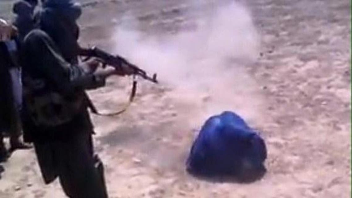 طالبان یک زن 60 ساله را در افغانستان به اتهام همکاری با دولت تیرباران کردند
