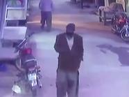 فيديو جديد.. مغتصب وقاتل زينب بملامح أوضح