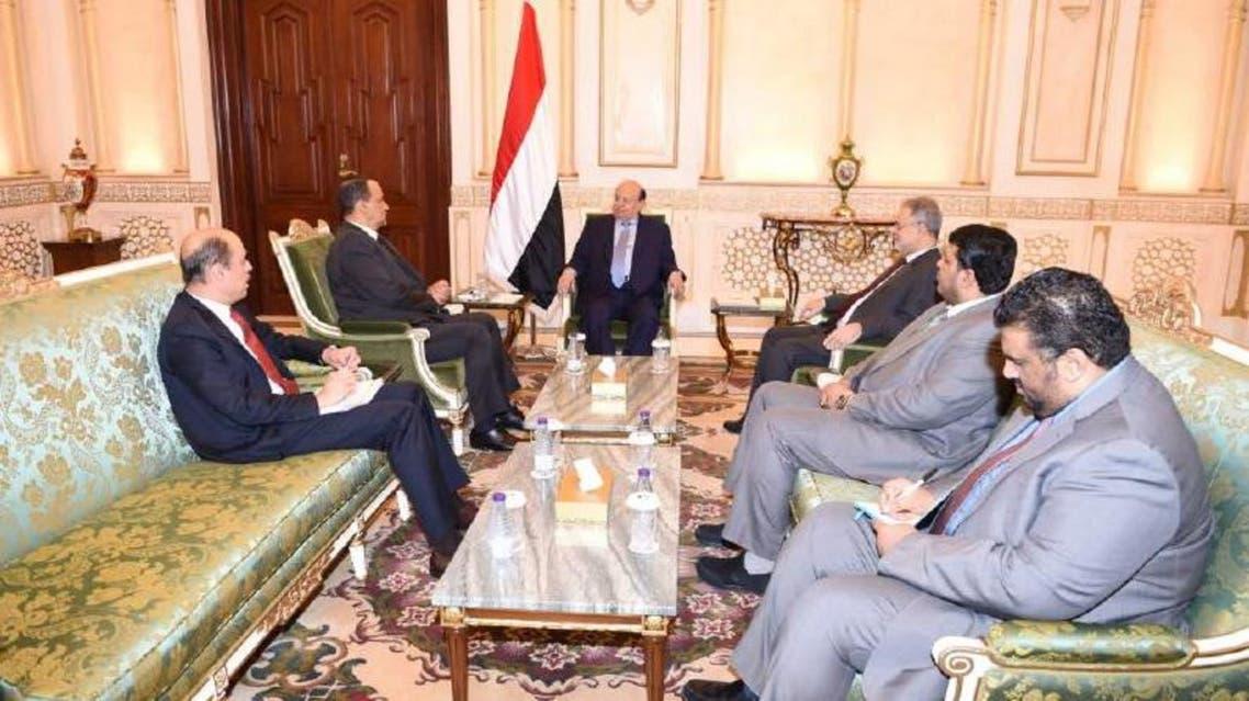الرئيس اليمني يستقبل المبعوث الأممي ونائبه