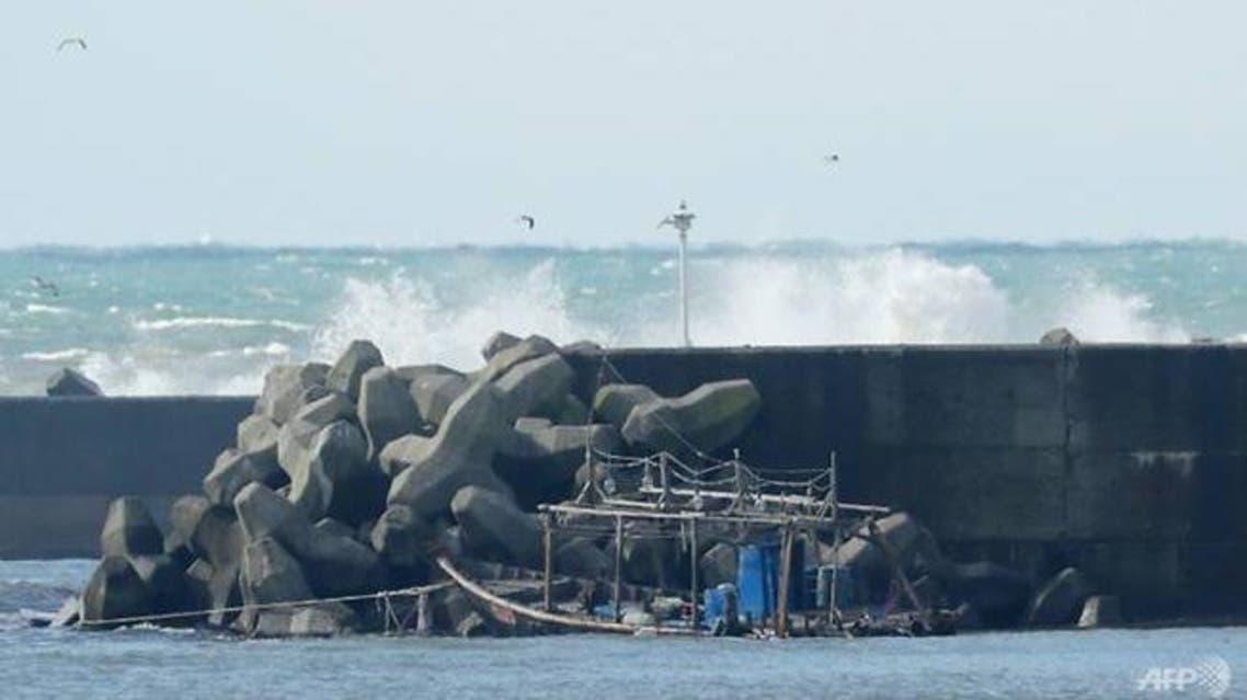 حطام قارب قرب السواحل اليابانية