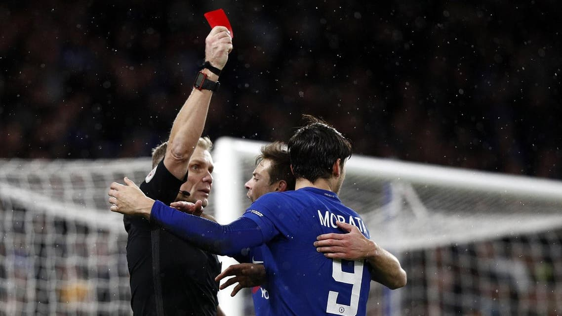 Chelsea's Spanish striker Alvaro Morata (R) receives a red card during the FA Cup third round replay football match in London on January 17, 2018. (AFP)