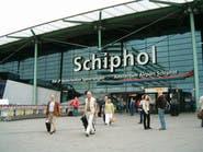 إلغاء عشرات الرحلات في مطار أمستردام