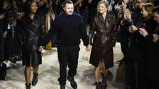 كايت موس وناومي كامبل في عرض أزياء لوي فويتون.. للرجال