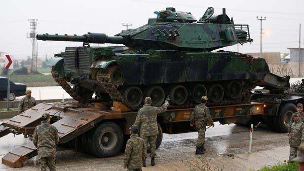 دبابة تركية على الحدود التركية - السورية