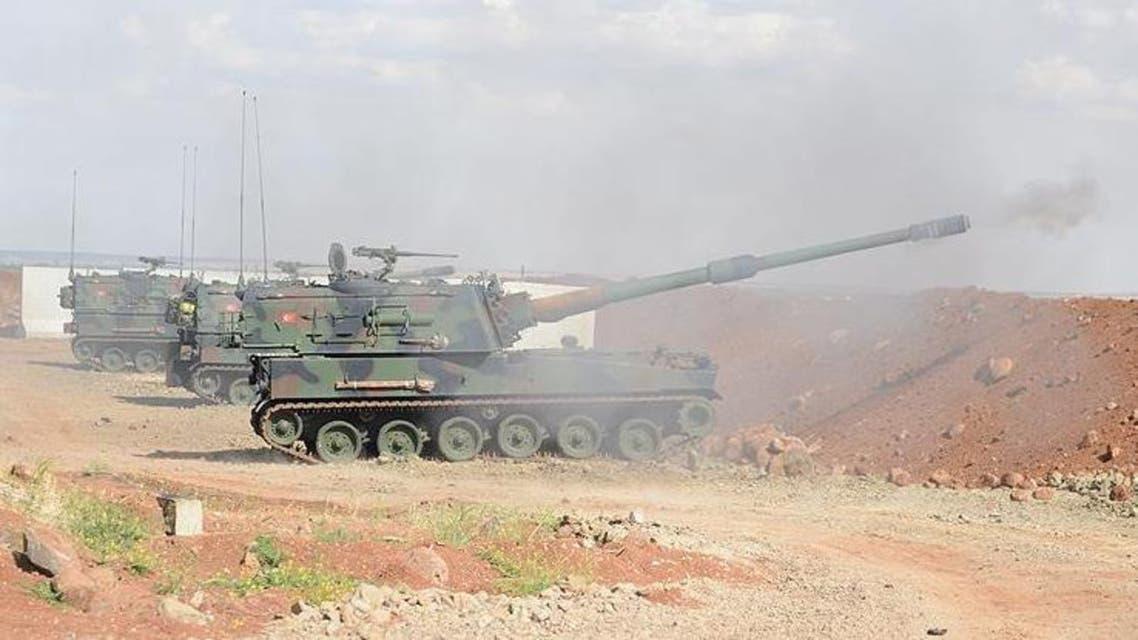 دبابة تركية تقصف عفرين السورية