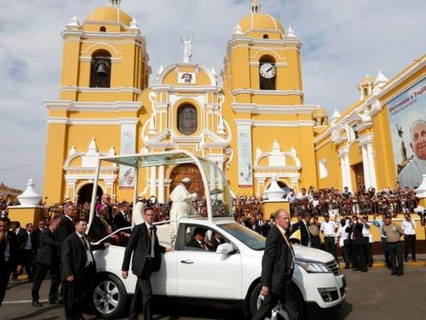 """البابا فرنسيس يمازح الراهبات: """"النمامة.. إرهابية"""""""