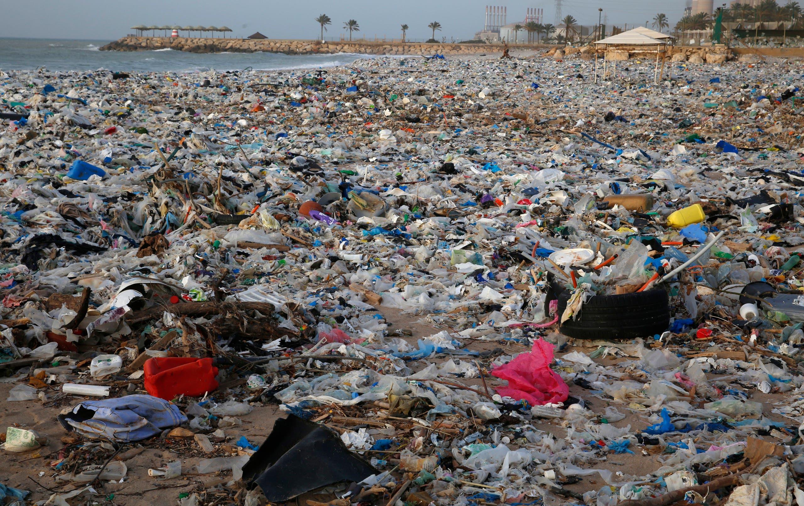 Lebanon trash pile. (AP)
