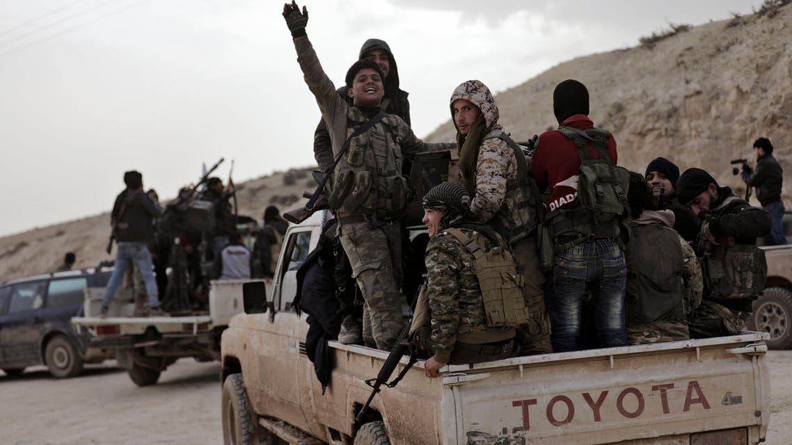 مقاتلون يدعمون تركيا في منطقة شمال شرقي عفرين بسوريا 3