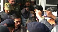 صور.. مغتصب الطفلة زينب يمثل أمام المحكمة كإرهابي