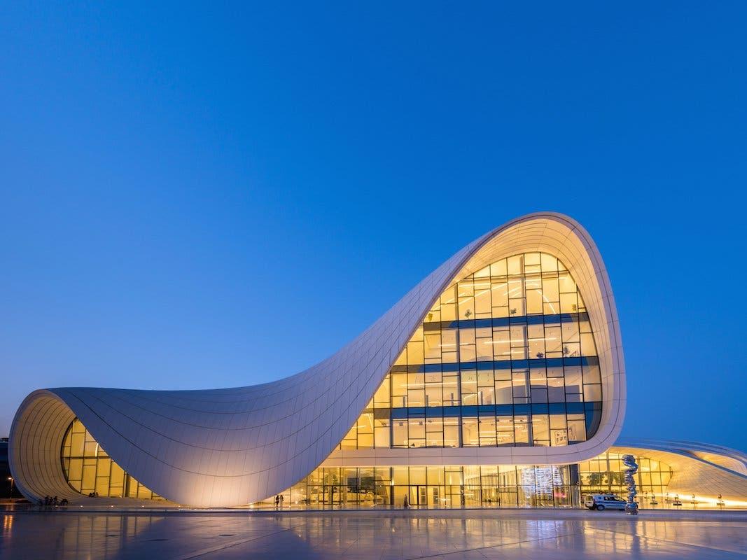 مطار حيدر أليف الدولي في أذربيجان