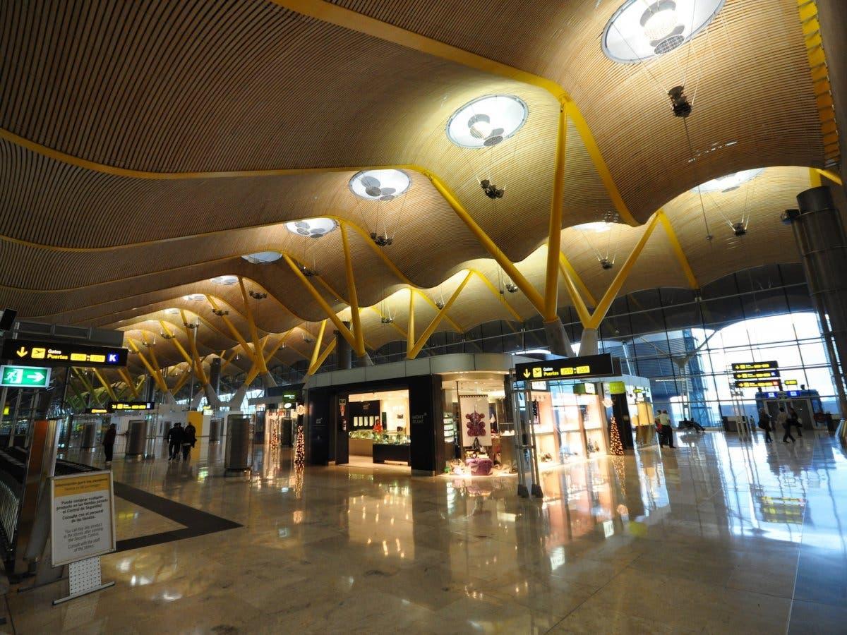 مطار مدريد، في اسبانيا