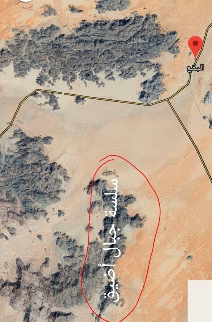 رسم يوضح موقع سلسلة جبال أضيق في مدينة البقع