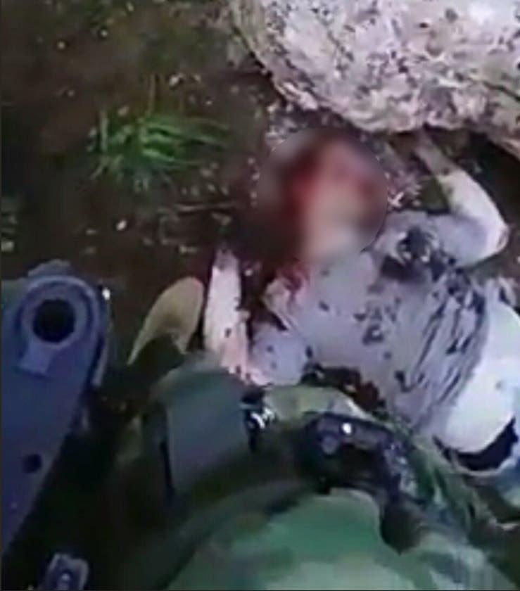 جسد رومان نیکولاویچ خلبان هواپیمای سرنگون شده