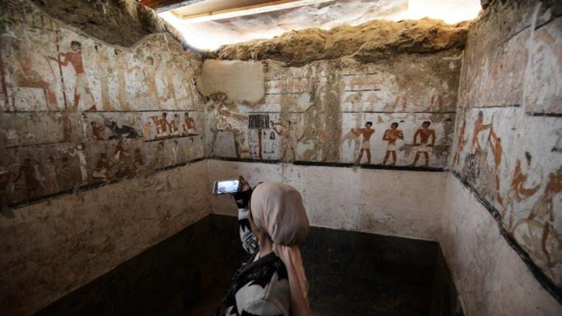 مصر.. اكتشاف مقبرة فرعونية لكاهنة بمنطقة الأهرامات