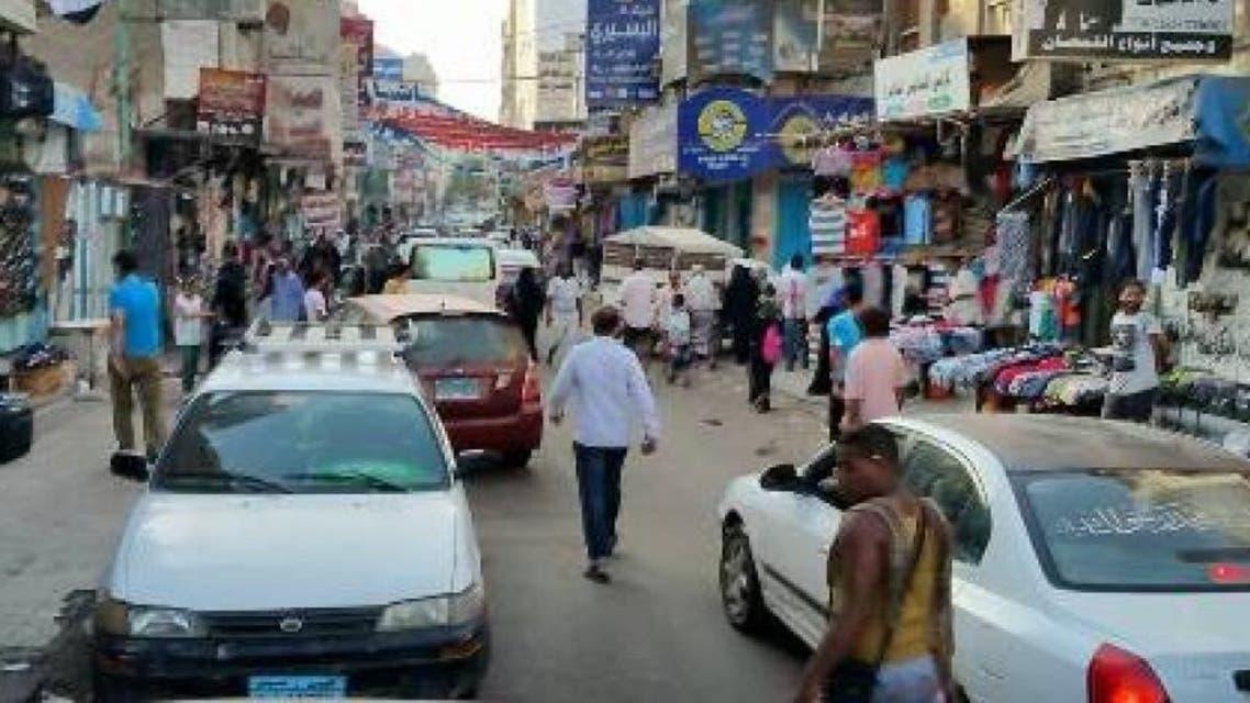 هذه صورة من أحد شوارع عدن اليوم