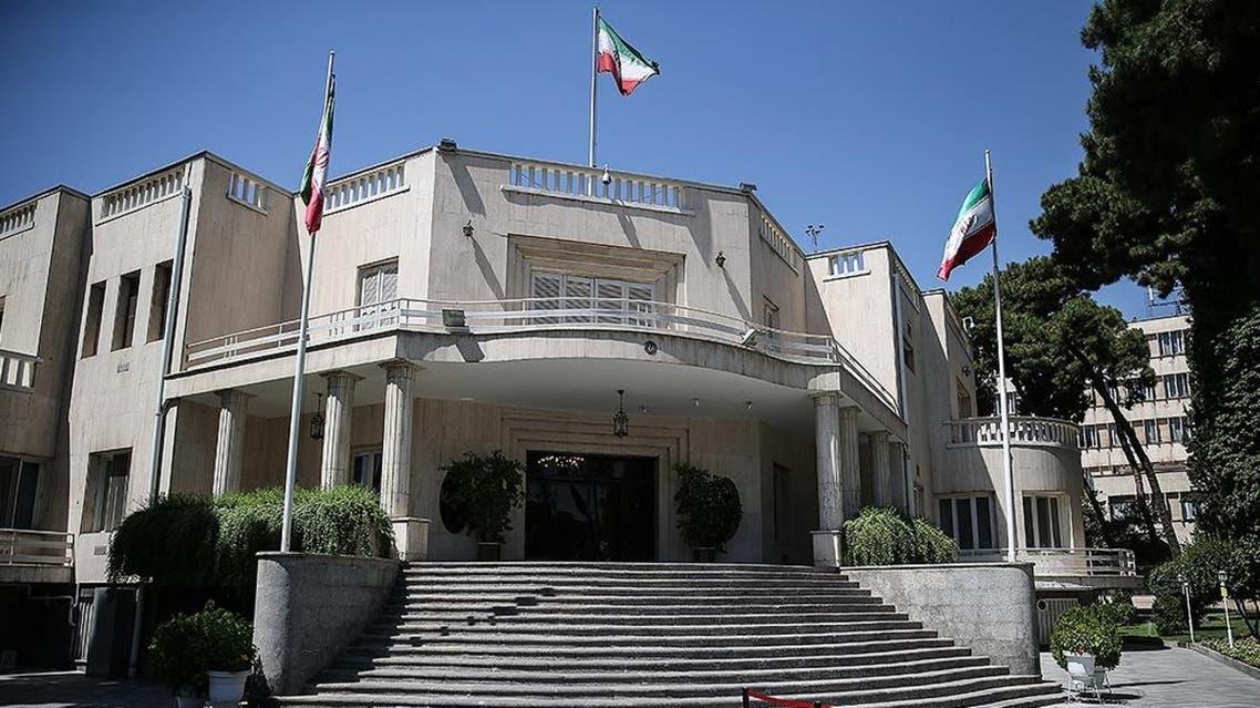 حمله يک كفنپوش با قمه به دفتر رياست جمهوری ايران